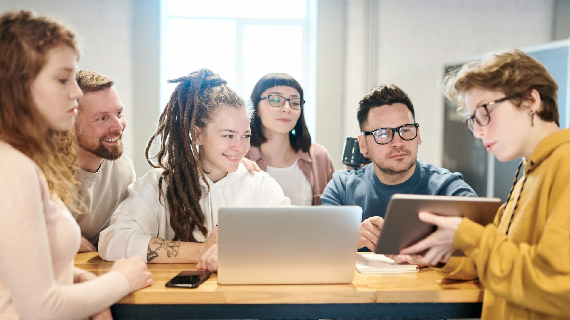 header les competences d'interaction