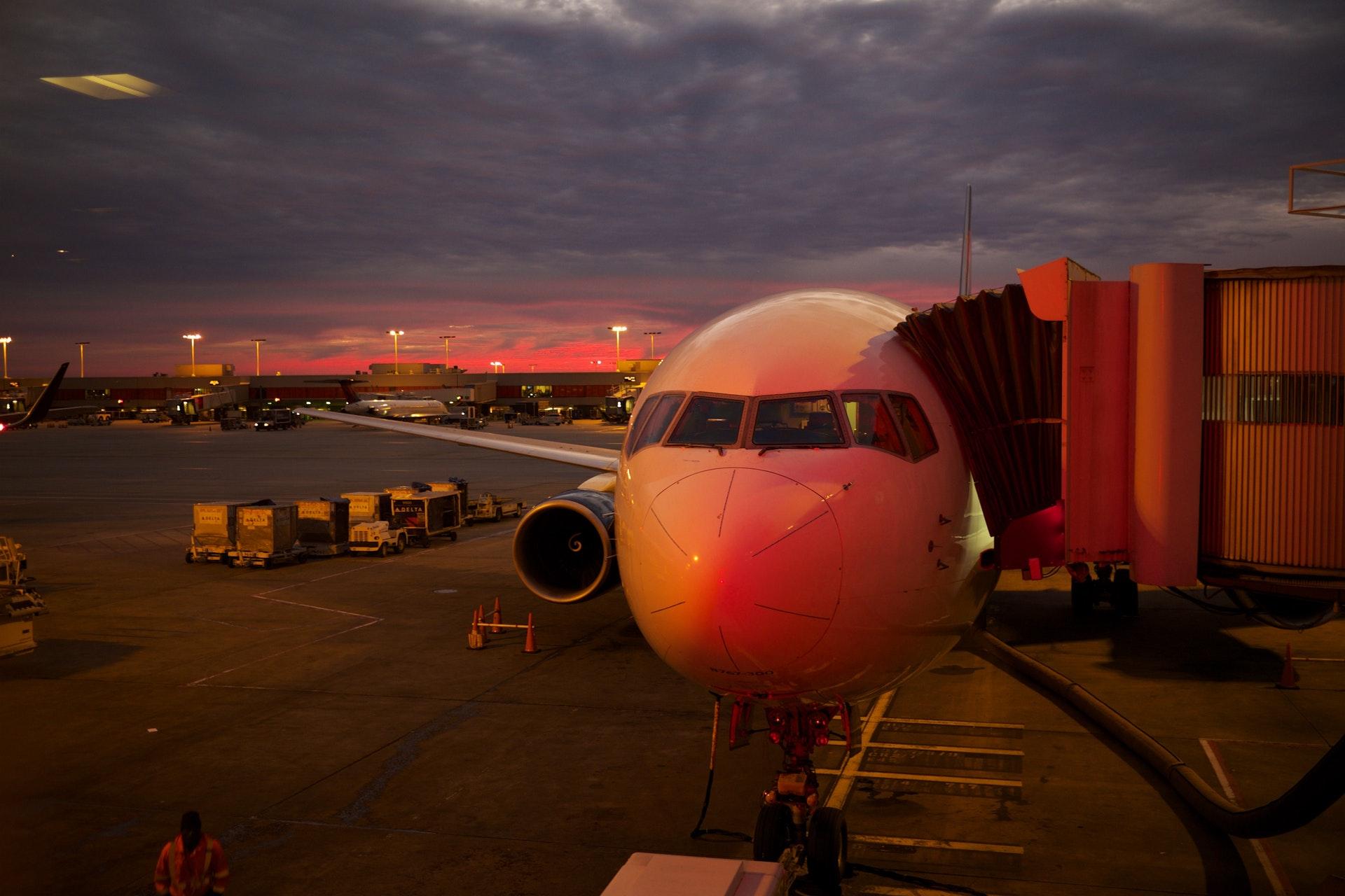 photo avion rouge